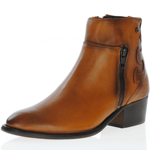 Amy Huberman - 27 Dresses Ankle Boot, Tan
