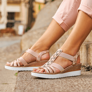 Rieker - V3822-31 Low Wedge Sandal, Rose